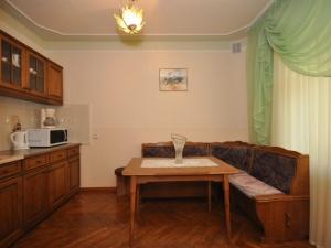 4-х местный 5 комнатный номер №1 в коттедже №8